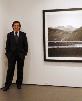 Pío Cabanillas rompe una lanza por la sombra en su exposición fotográfica